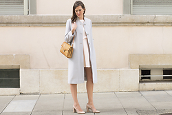 Margot Guilbert - Chloé Block Heels, Ostrich Leather Bag, Vintage Light Blue Coat, Lppd With A Bow - Little Pastel Pink Dress with a bow
