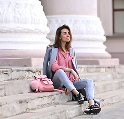 Perventina Ols - Vintage Top, Frontrowshop Sneakers, Grafea Bag - Pinky
