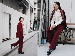 Ena Cuizon -  - 50 shades of Burgundy