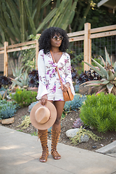 Niké -  - Coachella Ready with Forever21