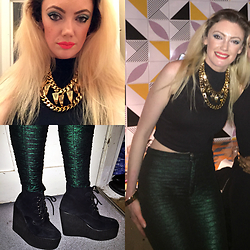 Roxanne Rokii - Mawi Gold Necklace 2016, Primark Black Top 2015, Motel Green Metallic Pants 2013, Underground Wedge Brothel Creepers - 19.03.2016 Baritto Brixton London - Rokii.co.uk