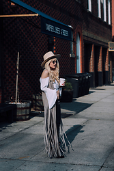 Rachel Lynch - Lack Of Color White Hat, Band Of Gypsies White Crop Top, Bb Dakota Long Southern Fringe Vest - Rollin' stone