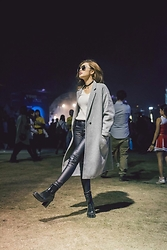 Wiyona Yeung - Vivaladiva Fashion Long Jacket, Dienastie Sunglasses, Hunter Boots - My X Day