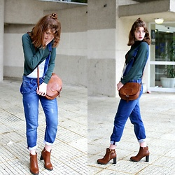 Martina L. - Bershka Denim Overall, Marypaz Boots, Suiteblanco Sweater - DENIK OVERALL