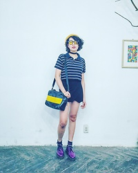Openwide Beingfree - Charlie&Keith Messenger Box Bag, Dr. Martens Purple, Tutran Shop Skort, Tutran Shop Stripe Croptop - Pretend to be simple