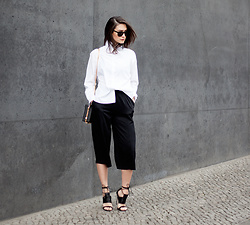 Carmen Launspach - Theslctd Chain Bag, Asos Sandals, Ace&Tate Sunglasses - Shades of black