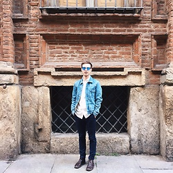 Davide Peretti - H&M Jeans Jacket, H&M Pois Shirt, H&M Blue Skinny Chinos, Clarks Shoes - Blue