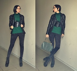 Jane V.I. - Emerald Color Turtleneck, Leather Jacket, Belt With Lacing, Platform Boots, Slim Grey Leggins, Army Green Bag - Black leather and emerald color