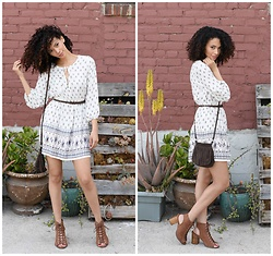 Shemmai Torres - Forever 21 Lace Up Ankle Boots, Forever 21 Print Dress, Hollister Suede Cross Body - Hola cholas