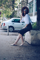 Andreea Birsan - Aldo Camel Hat, Christian Dior So Real Sunglasses, Lace Up Blouse, Zara Printed Pencil Skirt, Mango Beige Lace Up Flats - Printed pencil skirt & lace up blouse