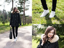 Lorietta.cz - Zara Faux Fur Parka, Mango Black Minimalist Bag, H&M White Sneakers - Black Parka With Faux Fur Lining