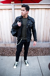 Marcos De andrade -  - Leather jacket and camo sneakers
