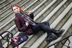 Catherine Black - Dm Sunglasses, Vintage Scarve, New Yorker Wetloook Leggins, Steel Boots, Takko Faux Leather Jacket, Metalshop Starwars Bag - Starwars & the City