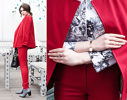Helena Ivanova - Charles&Keith Ankle Boots, Karen Millen Bag, Yans Suit, Yans Crop Top With Long Sleeves - On red!