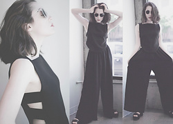 Ama Hatheway - Polette Clear Sunglasses, Emerson Fry Armory Panel Crop Top, Babette Light Wide Leg Trousers - Pull Off Those Wide Leg Trousers Like a Boss
