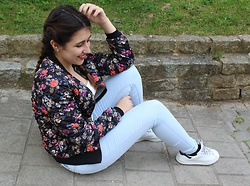 "Ana Margarida - Stradivarius Jacket, Bershka Shirt, Pull&Bear Jeans, Foot Locker Shoes - ""SWEET APRIL SHOWERS DO SPRING MAY FLOWERS."""