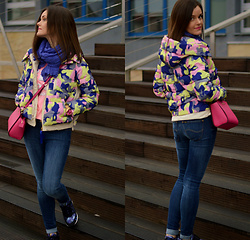 Fashionelja Ja -  - MILITARY JACKET AND ASICS SHOES