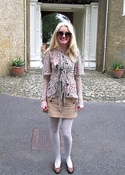 Roxanne Rokii - Topshop Sunglasses 04.2016, Celia Birtwell Silk Blouse C2007, Topshop Suede Skirt 2010, Rokii Cream Tights, Vintage Brown Shoes 1980's - 24.04.2016 Exploring the English Heritage - Rokii.co.uk