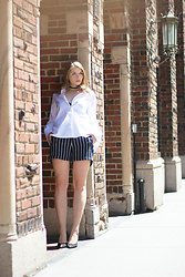 Julia - H&M Shirt, H&M Shorts, Aldo Shoes - Stripes