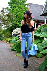 Maria P - Romwe Black Cold Shoulder Top, Aliexpress Gold Spiky Necklace, Topshop Petite Ripped Skinny Jeans, H&M Chunky Ankle Boots, Aliexpress Pastel Blue Backpack - The Cold Shoulder