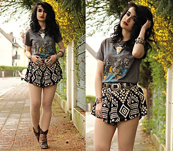 Tessa Diamondly - Aerosmith Shirt, Shread Threads Tribal Printed Shorts - If we could just join hands...