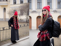 Anna Sever - Marmalato Red Hat - Red hat