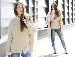 Dominique B. - Zara Jeans, Esprit Coat - Casual and bright / goldschnee.com