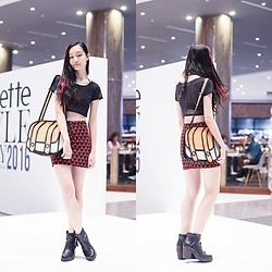 Ren Rong - Dresslink Cutout Bra, Wholesalebuying Mesh Crop Top, Taobao 2d Bag, Korea Printed Skirt, Steve Madden Tassel Boots - Clozette Style Party