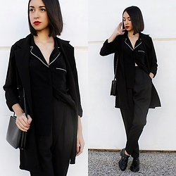 Esther L. - Wholesalebuying Blazer, Missguided Pyjama Shirt, Missguided Cigarrette Pants, Zara Shoes, Mango Triobag - PIJAMA SHIRT