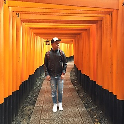 DADA FAB - Aeropostale Snapback, Herschel Bag, Zara Leather Jacket, Topman Denim, Adidas Sneakers - Kyoto Escape