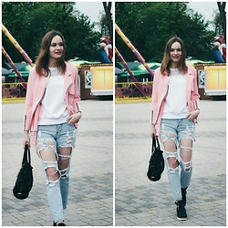 Marina Senina - Https://Vk.Com/Club48977128 Pink Jacket, Modis White Sweatshirt, Https://Vk.Com/Club48977128 Ripped Jeans, Kari Black Boots, Black Bag - Pink mood
