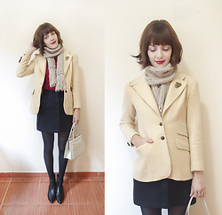 Lilian Larrañaga - Second Hand Store Vintage Blazer, Second Hand Store Vintage Skirt, Capodarte Boots - Autumn, I love you!