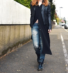 Jana J. - G Star Raw Ripped Jeans, Asos Long Shirt, Comma Fringed Leather Jacket, Dr. Martens Jump Boots - Rebel mood