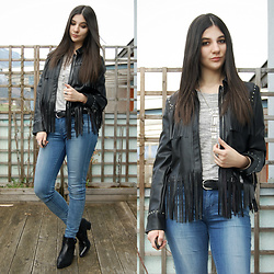 Vanny Roxx - Bershka Fringe Leather Jacket, H&M Cold Shoulder Top, Claire's Fringe Necklace, Levi's® Skinny Jeans, Deichmann Ankle Boots, H&M Black Belt - WILD AT HEART