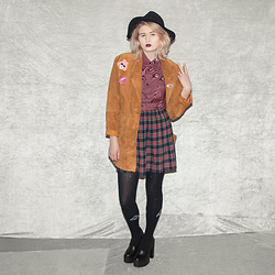 Monika Sekowska - Second Hand Shop Reworked Vintage Real Leather Coat, Versace Creepy Melt Button Up Shirt, Second Hand Shop Vintage Tartan Skirt, Unif Black Logo High Socks, Second Hand Shop Chunky Platform Heels, Stradivarius Black Fedora Hat - Reworked vintage leather coat