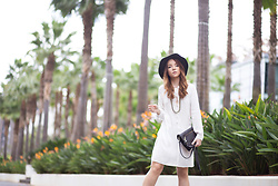 Silver Girl - Valentino Rock Stud Heels, Zara White Shirt Dress, Massimo Dutti Leather Bag, Rock N' Rose Golden Headchain, Zara Green Fedora - PALM SPRINGS
