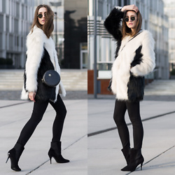 Lisa Fiege - Peter Kaiser Ankle Boots, Replay Skinny Jeans, Unreal Fur Faux Coat, Ray Ban Sunglasses - Unreal Fur | THELFASHION.COM