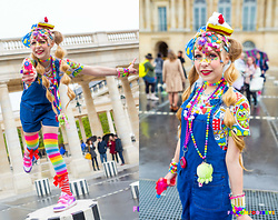 Anastassia Wonderland - Asos Salopette En Jean, Claire's Multicolor Socks, Funnyjewels Cake Headdress - Millions of Colors