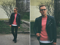 Naglis Bierancas - H&M Pink Sweater, Bershka Lether Jacket, New Balance Black Sneakers - Film