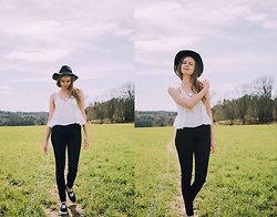 Agnija - Gina Tricot Top, Primark Highwaist Jeans, H&M Floppy Fedora, Primark Shoes - Light airy tops