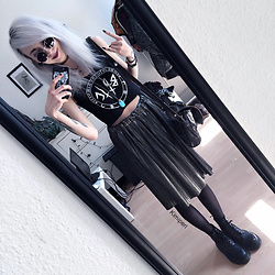 Kimi Peri - Promod Metallic Pleated Skirt, Black Hope Curse Crop Top, Second Hand Turquoise Stone Pendant, Dr. Martens Vegan Boots, Tights, Second Hand Tunisia Vintage Bag, Crescent Moon Necklace, Second Hand Vintage Shades, Choker - Metal & Vintage