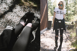 Catarina S. - Asos Sunnies, Selfmade Choker, Pull & Bear T Shirt, Lindex Bomber/Cardigan, Nike Sneakers, Topshop Fishnet Tights, New Look Leggings - ► Run the World (Girls) - Beyoncé