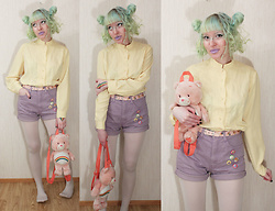 Lindwormmm - Junkk Yard Carebear Backpack, Second Hand Yellow Shirt, Thrifted Lavender Shorts, Thrifted Cartoon Character Badges, White Tights, Thrifted Winnie The Pooh Belt - Rainbow juice Bear