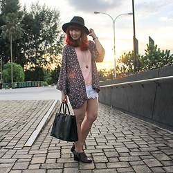 Yan Yan - Prada Saffiano Lux, H&M Sakura Print Outerwear, Cotton On Black Fedora, Forever 21 Crochet Shorts, New Look Pastel Pink Camisole - Chasing Light