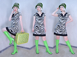 Suzi West - Velour 1960s Vintage Hat, Shantel Niblock Ghost Necklace, Sweet Storm Zebra Print Dress, Ellie Shoes Gogo Boots - 27 January 2016