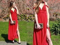 Charlotte . - Res Dress Http://Goo.Gl/Uhqrju - Red dress off shoulder