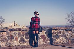 Solveig - Unif Oversized Sweater, Quay Cat Eyes Sunnies, Unif Chunky Boots - MTL CITY -new video