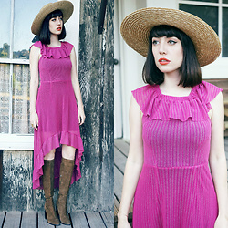 Amy Roiland - Alices Pig Dress, Zara Boots - Come back