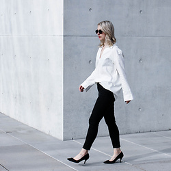 Leonie // www.noanoir.com - Ace & Tate Black Round Sunglasses, Weekday Top With Oversized Sleeves, Bdg Black Denim, Zara Black Kitten Heels - Mindfulness