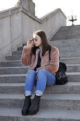 Liva Bambale - Reserved Black Backpack, H&M Blue Denim Jeans, Asos Black Ankle Boots, Warehouse Pink Faux Fur, H&M Crop Top, Zara Blue Shirt, Giorgio Armani Sunglases - Somebody else